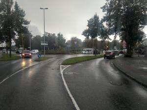 Ein KFZ-Bypass zum Abbiegen ausserhalb des Kreisverkehres gefährdet den Radkreisverkehr