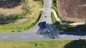 Die Radverkehrstrasse ist verschwenkt, der Fahrfluss wird beeinträchtigt